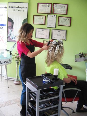 Kına saçı makyajı